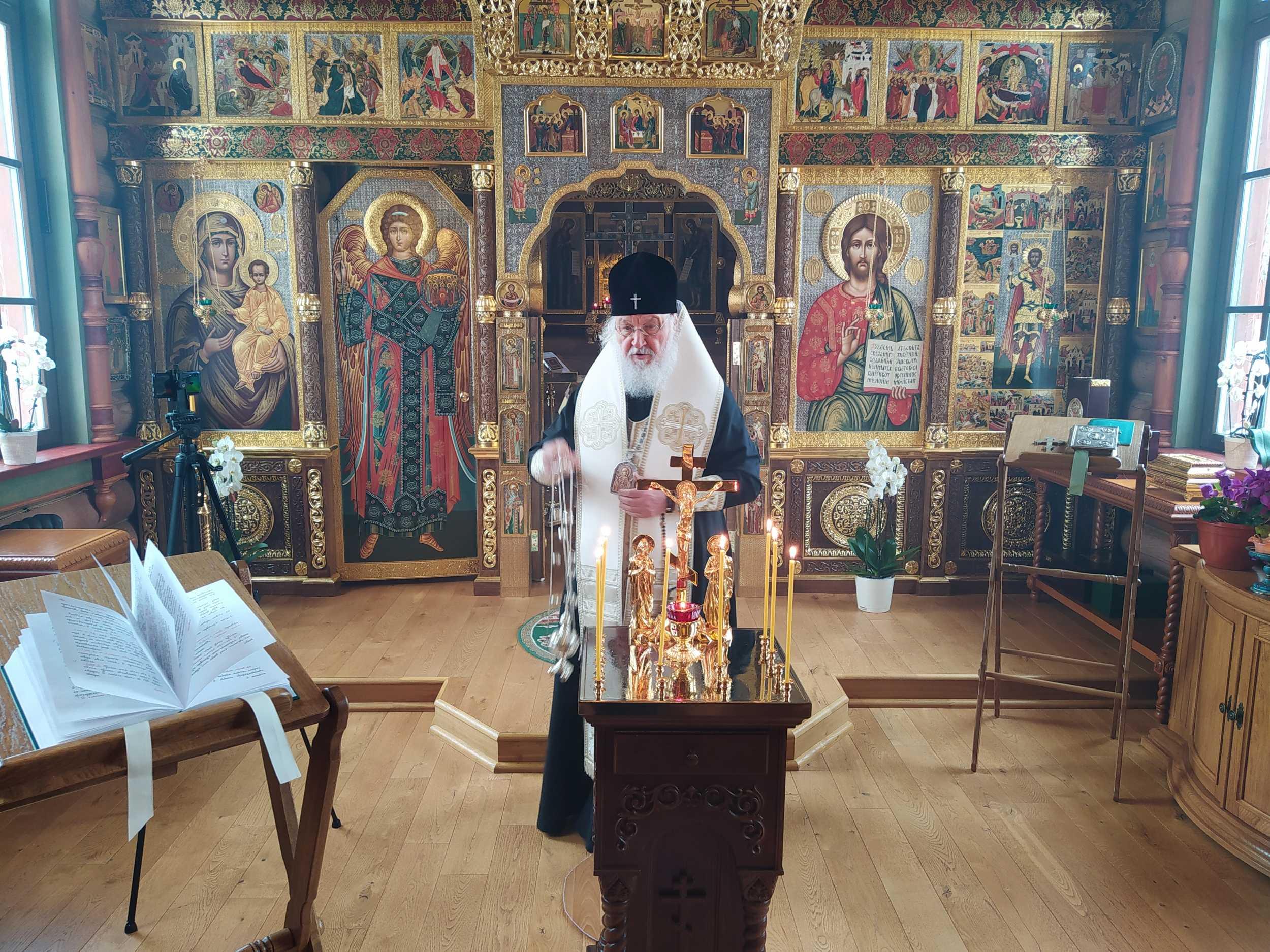 Предстоятель Русской Церкви совершил панихиду по приснопамятному Святейшему Патриарху Алексию II