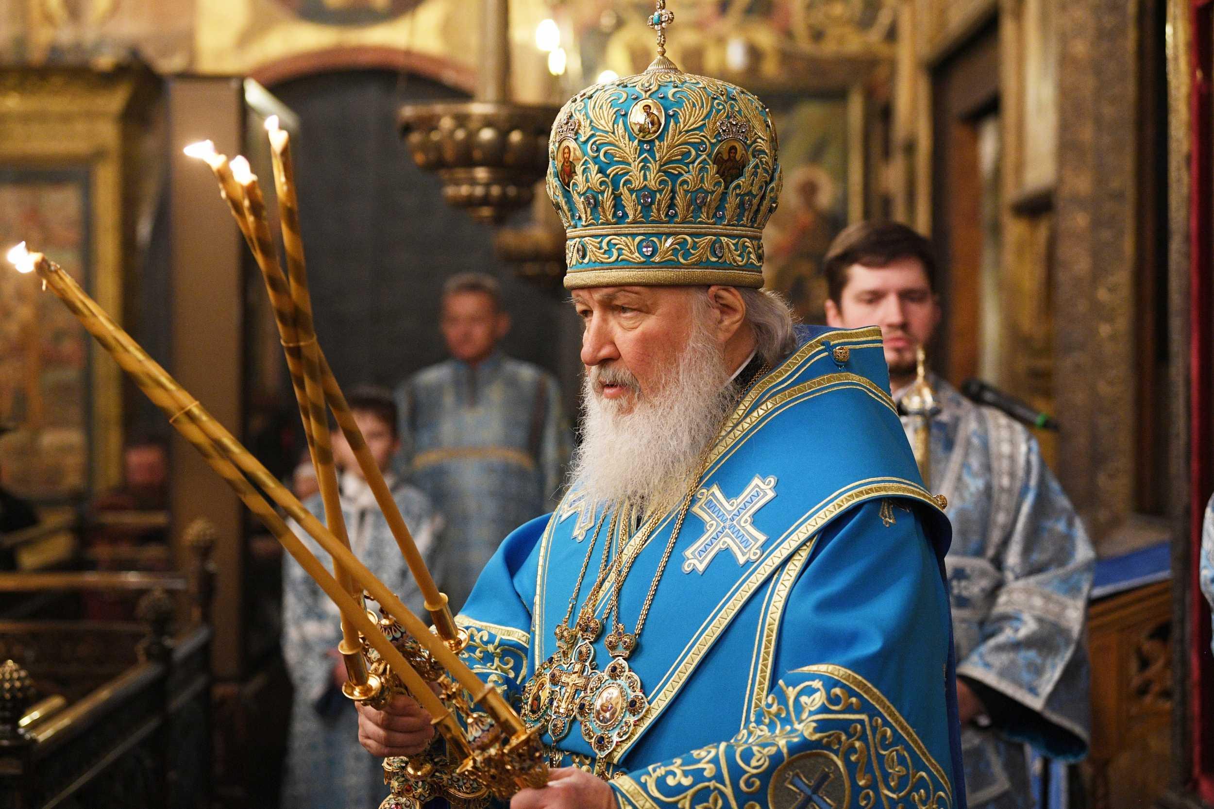 В праздник Сретения Господня Святейший Патриарх Кирилл совершил Литургию в Успенском соборе Московского Кремля